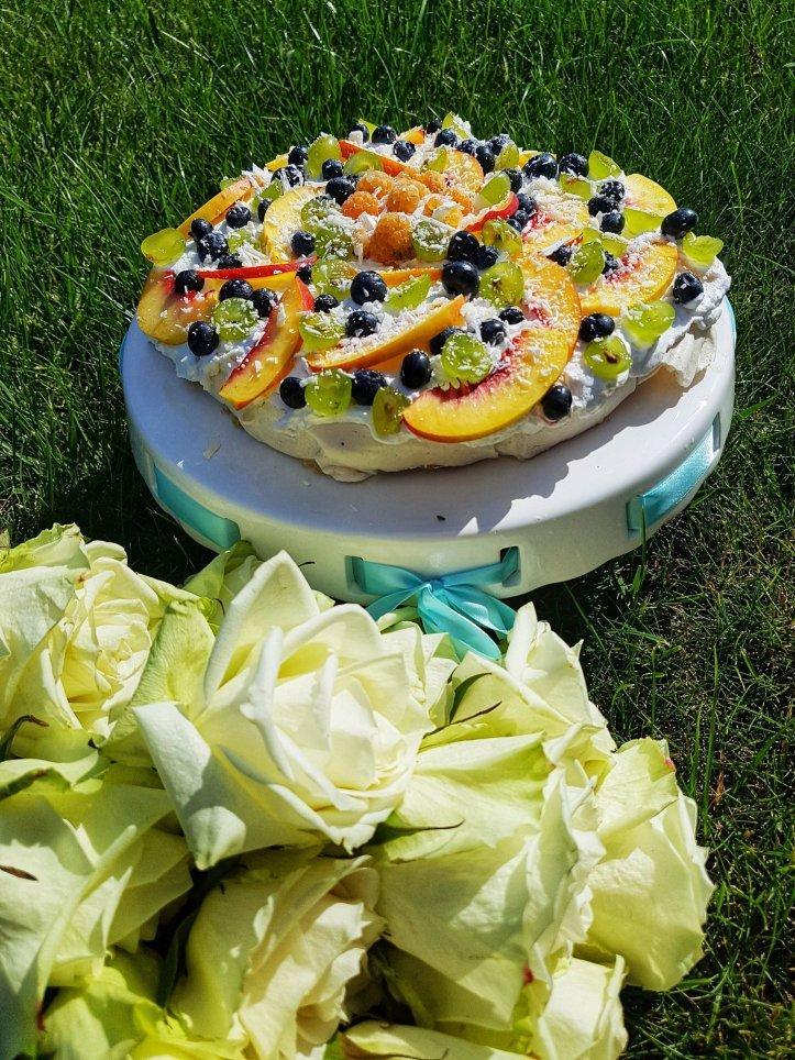 Reţetă Pavlova cu fructe