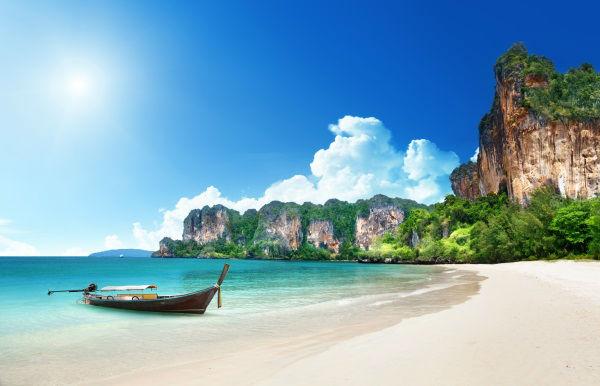 Railay-beach-in-Krabi-Thailand-shutterstock_127720103-w900-h700.jpg