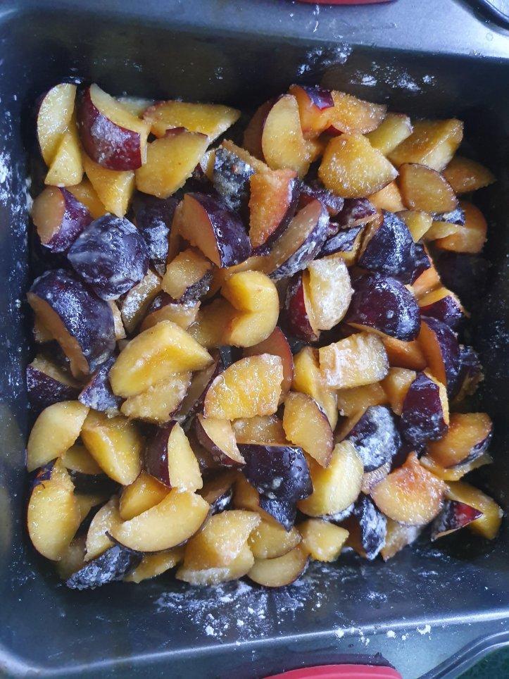 Reteta simpla de crumble cu prune